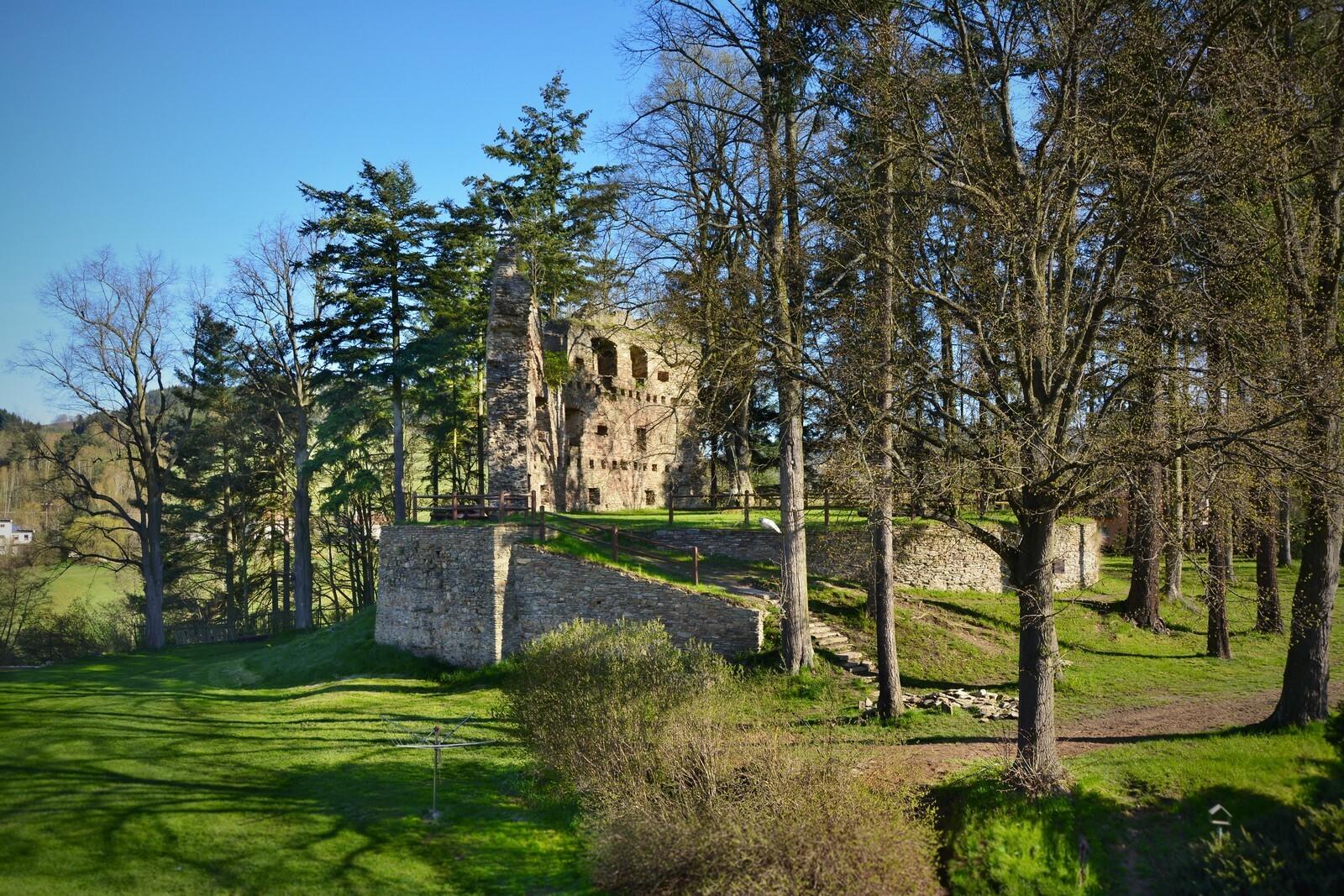 Zajímavé lokality k navštívení - zřícenina hradu v Dalečíně