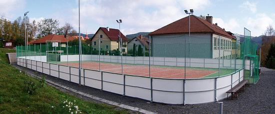 Sportovní zařízení - víceúčelové hřiště u ZŠ Dalečín